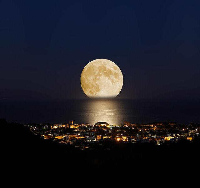 Ολική έκλειψη Σελήνης και έκρηξη συναισθημάτων!